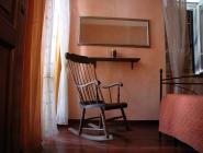 Camera a Spello con angolo cottura e balcone